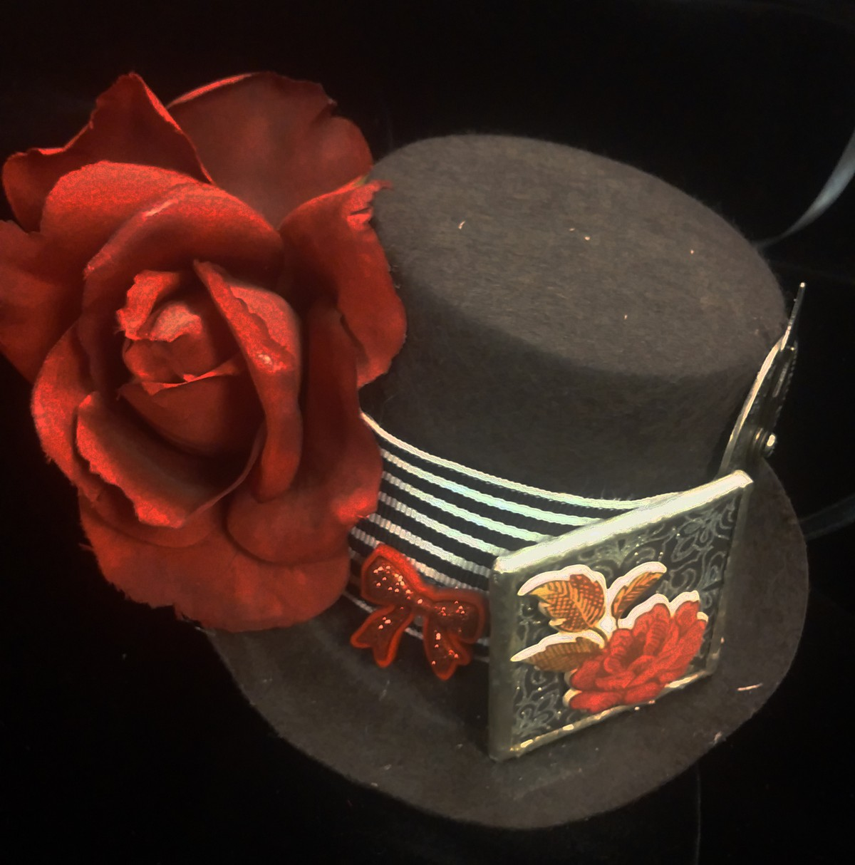 Mini Top Hat, Roses