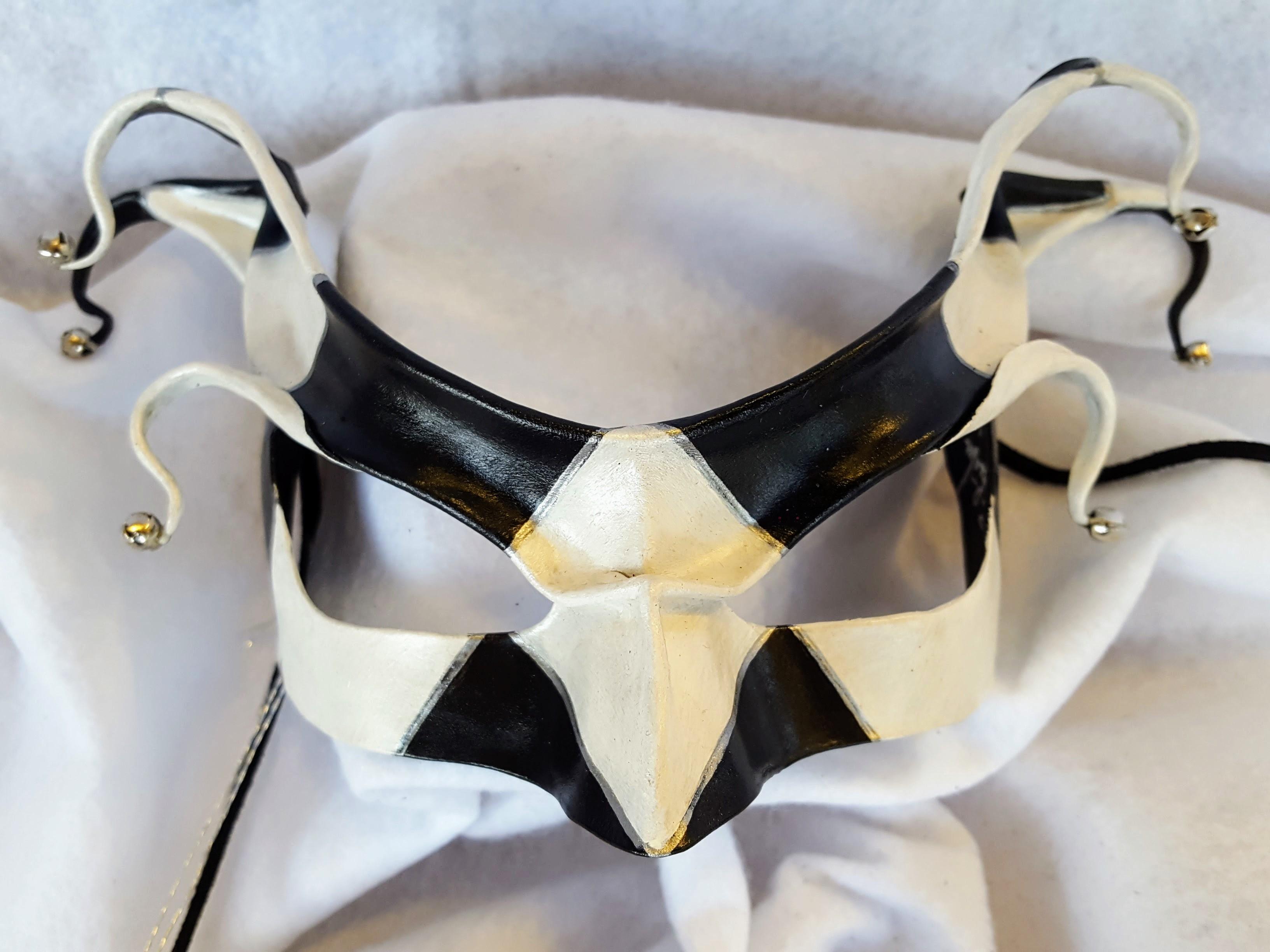 Quin Harlequin Jester Mask