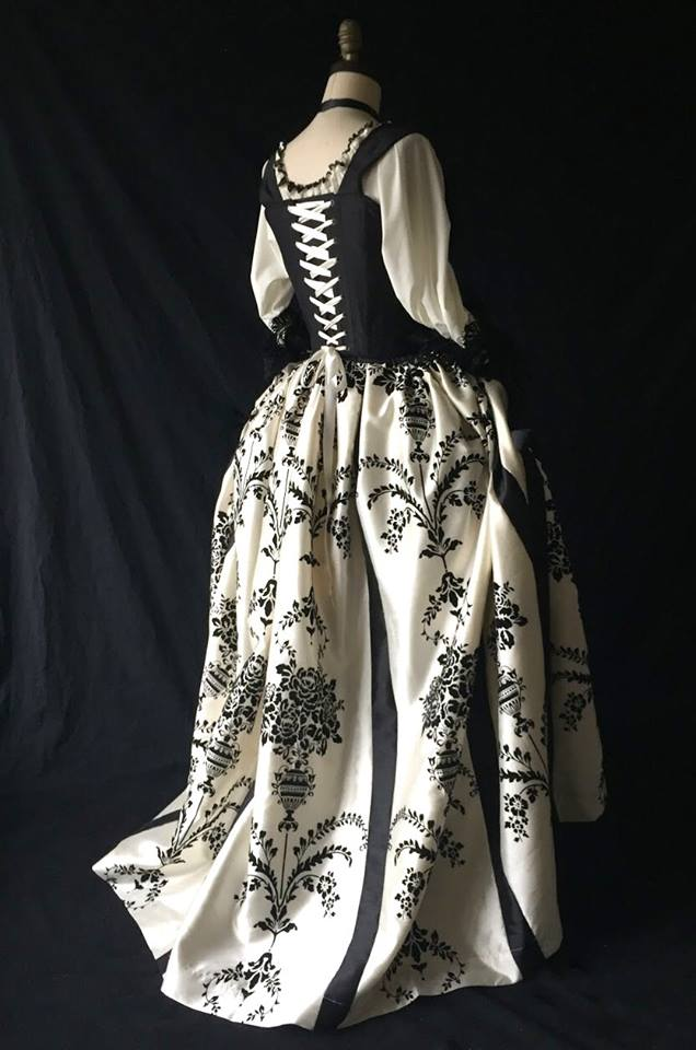 Skirt, 18th c. Sassy Masquerade M/L 30 waist