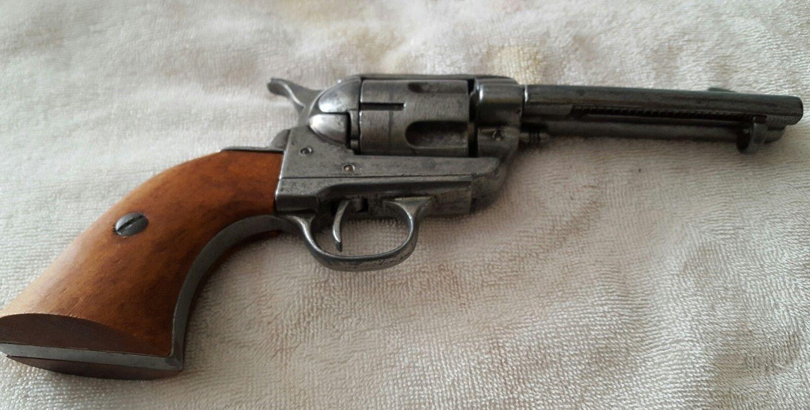 Gun, Western