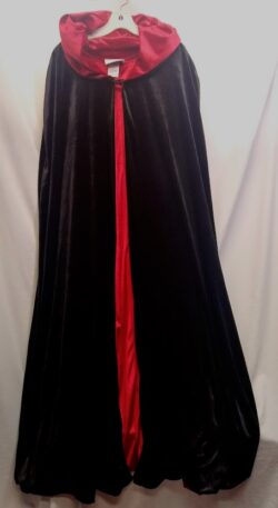 Hooded Robe, Red Black OS