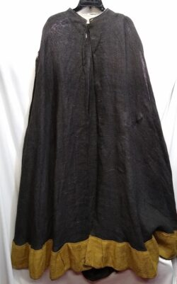 Burlap cloak, black & gold OS